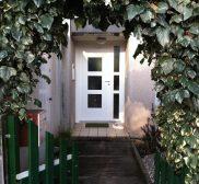 Installation d'une porte pallière blindée avec vitres