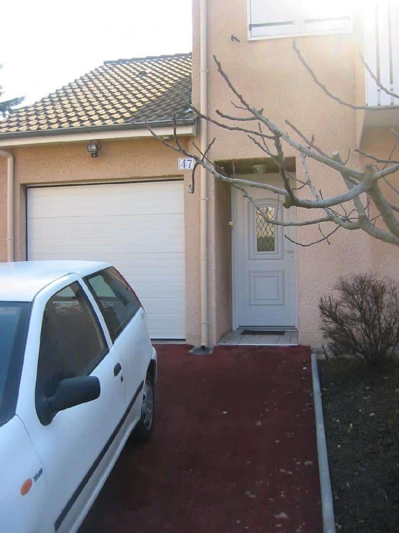 Réalisation porte de garage et porte d'entrée en PVC