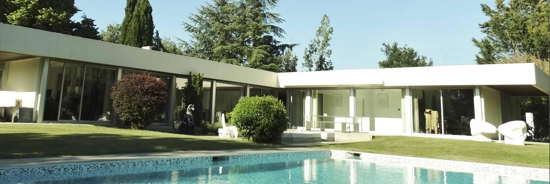Isolation Confort - Menuiseries baies coulissantes aluminium réalisées pour la rénovation d'une villa d'architecte dans la Loire