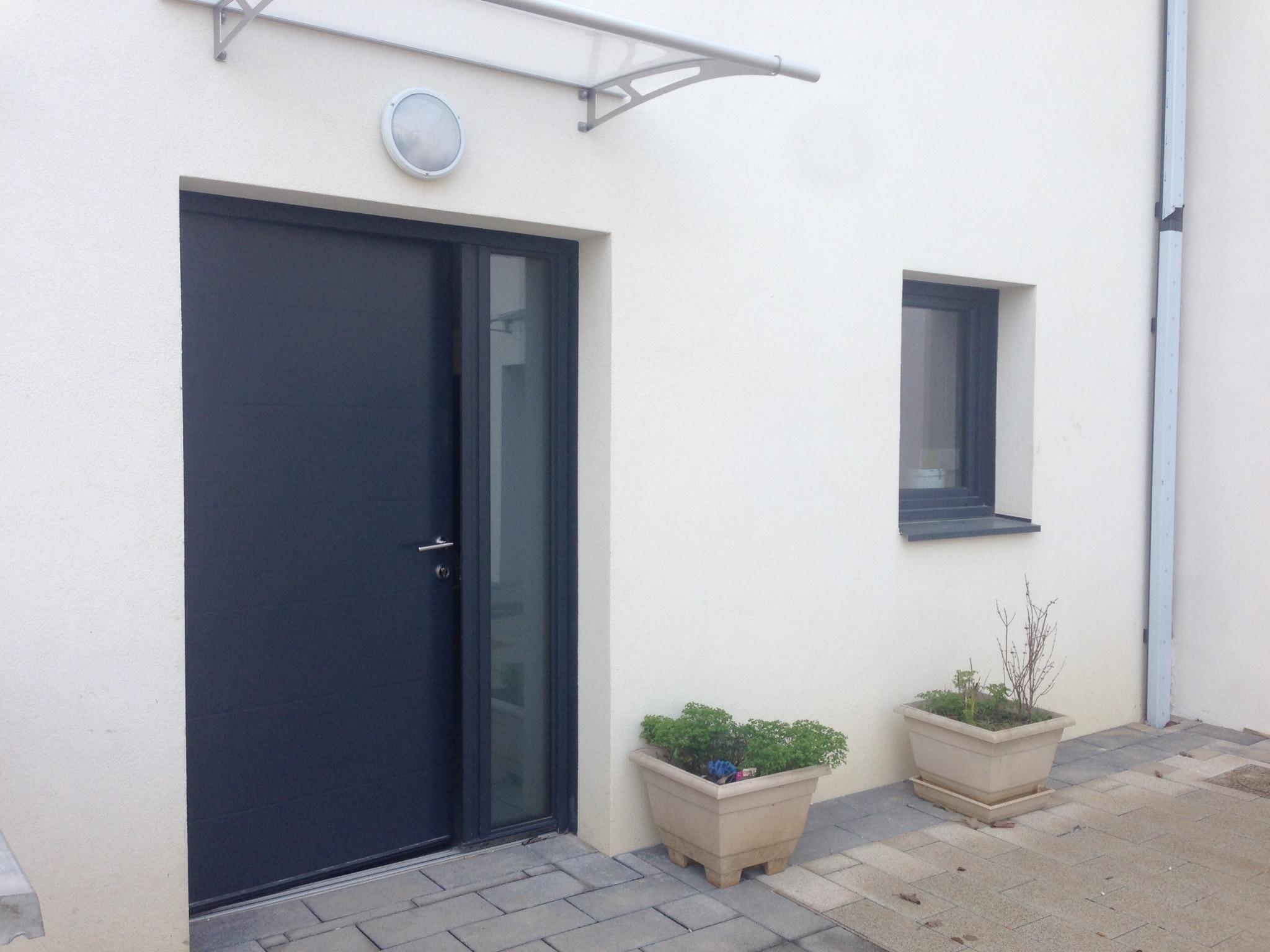 Isolation-Confort - porte d'entrée en aluminium